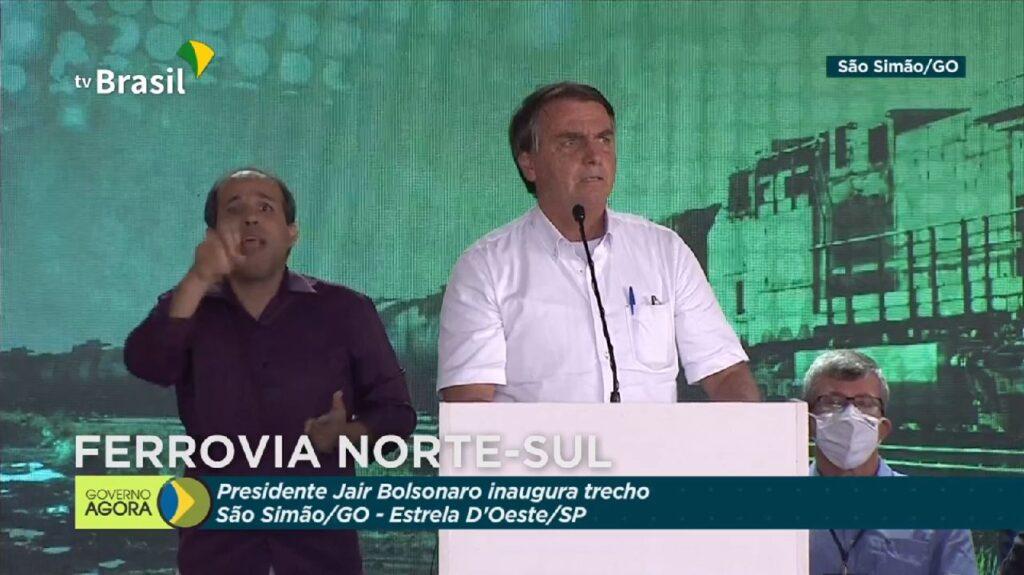 """Bolsonaro: """"Nós temos que enfrentar os nossos problemas. Chega de frescura e de 'mimimi'"""""""
