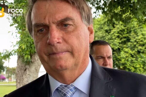 """Bolsonaro alfineta Haddad e diz que se ele fosse presidente decretava """"lockdown nacional"""""""