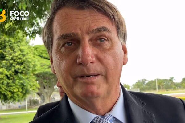 Bolsonaro diz que se o PT estivesse no governo, o Brasil estaria na miséria