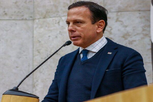 """João Doria cobra """"medidas urgentes"""" de Paulo Guedes para salvar empregos"""