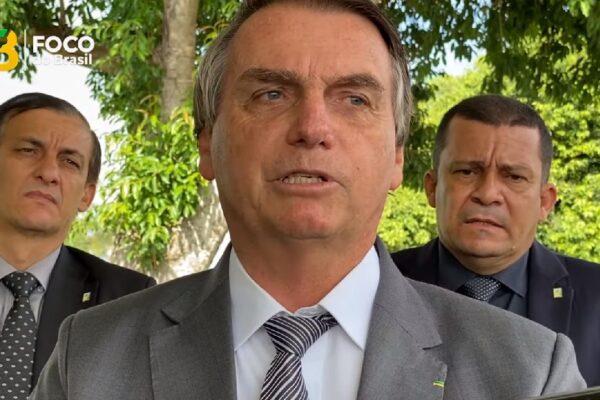 """""""Meu compromisso não é com reeleição não, é com o povo brasileiro"""" diz Bolsonaro"""