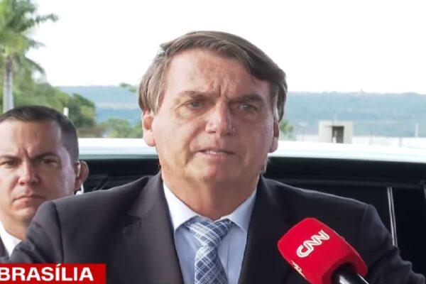 """Presidente Bolsonaro diz que campanha de Lula é """"mentir e desinformar"""""""