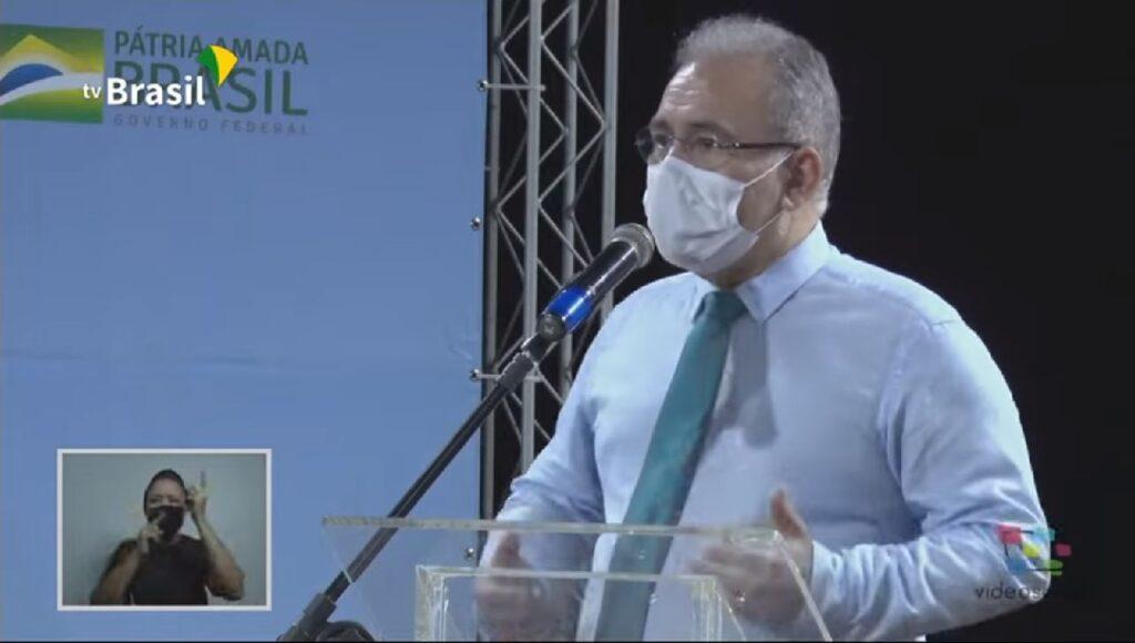 """Vacina não vai """"resolver no curto prazo"""", diz novo ministro da Saúde"""