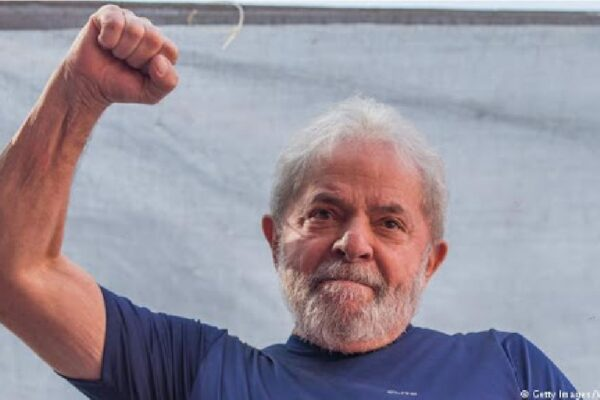 Em carta a Xi Jinping, Lula elogia condução da pandemia na China e ataca Bolsonaro