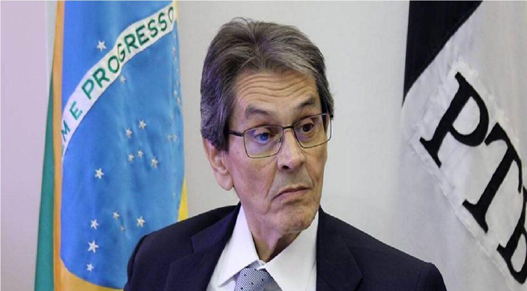 Após determiação de Moraes, Roberto Jefferson é preso pela PF