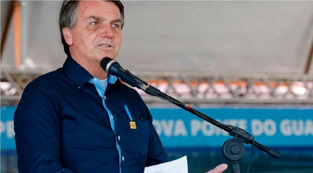 """Bolsonaro: Culpa pelo valor da gasolina também é do """"nove dedos"""""""