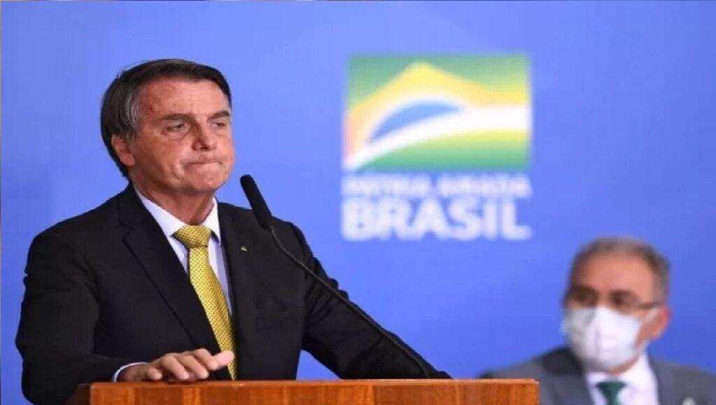 """Bolsonaro: """"Não somos três Poderes, somos dois"""""""