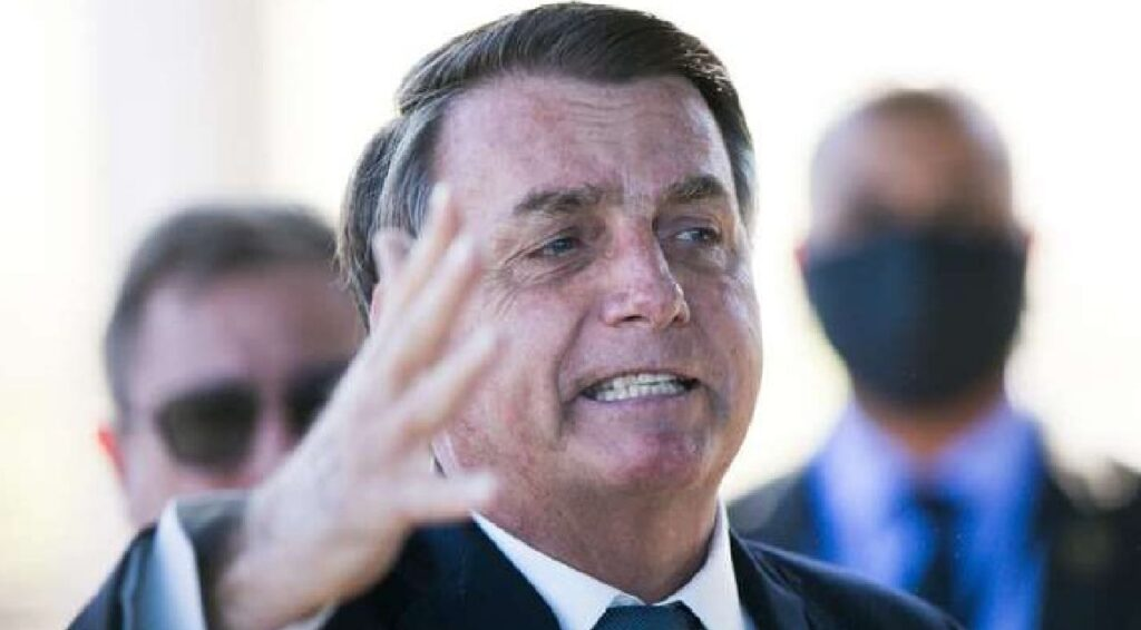 """Bolsonaro: """"Se com liberdade está difícil lutar, imagina sem"""""""