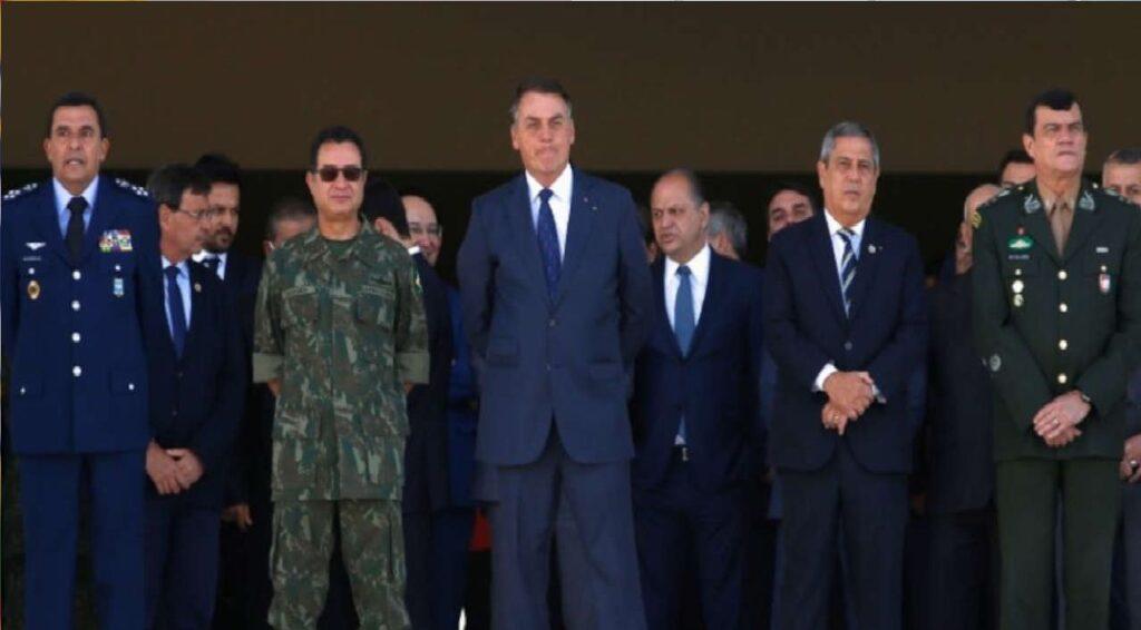 """Bolsonaro sobre Forças Armadas: """"A tranquilidade que tenho com o trabalho de vocês me conforta"""""""