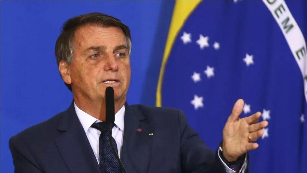 Em entrevista, Bolsonaro critica ganância de políticos ao cobrarem ICMS
