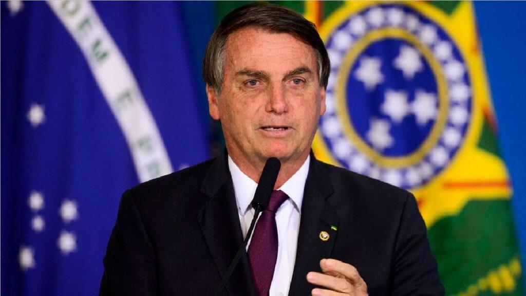 """""""Extrapolaram os limites"""", diz Bolsonaro sobre atos de Moraes e Barroso"""