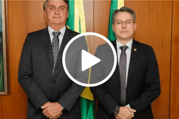 Após se lançar como pré-candidato ao Planalto, Senador Alessandro Vieira encaminha a Barroso denúncia contra Bolsonaro