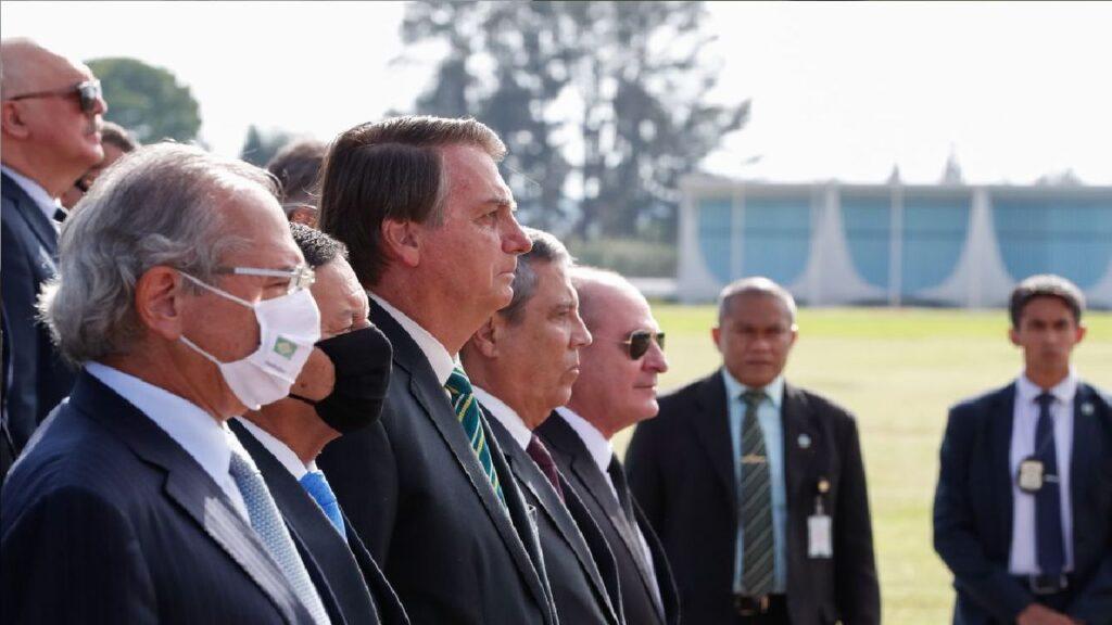Bolsonaro convoca reunião do conselho de governo com o alto escalão do Executivo