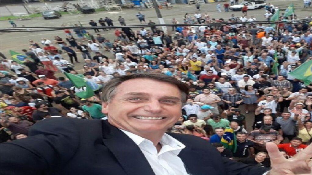 """Bolsonaro profere discurso emocionante: """"Ao lado do povo, atingiremos nosso objetivo"""""""