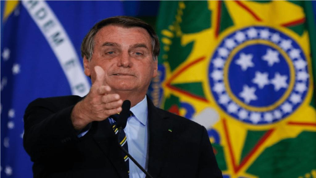 Juristas citam supostos crimes e pedem impeachment de Bolsonaro