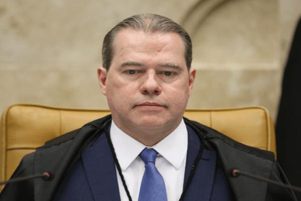 Toffoli estabelece prazo de 48 horas para Arthur Lira explicar votação urgente para reforma eleitoral